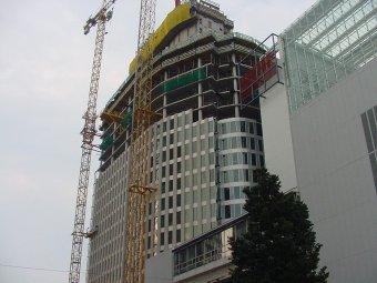 20 verdiepingen telt de Hoftoren alweer ...