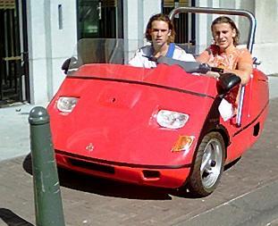 Een echte Ferrari Trigger bedoeld voor de jeugd tussen 16 en 18 jaar ...
