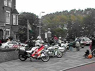 Amerikaanse politiemotoren op politiedag ... klik op het plaatje
