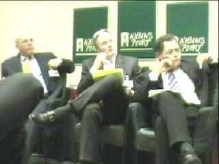 Het panel dat de betrouwbaarheid van internet voor de burger behandelde ...