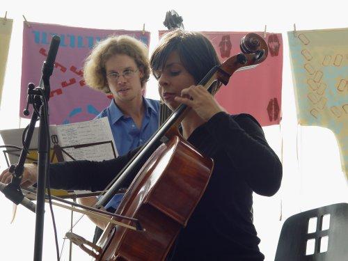 Klezmergroep Di Fidl Kapeleye met betoverende muziek