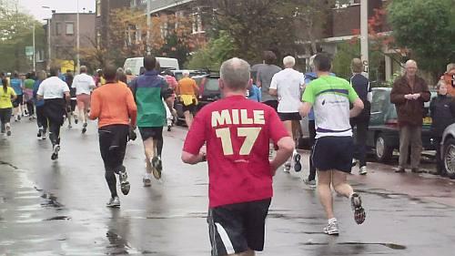 Mile 17 kom ik ook steeds weer tegen