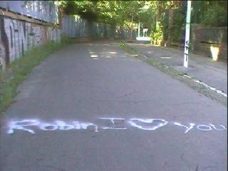 liefde is ... je gevoelens kalken op het asfalt ...